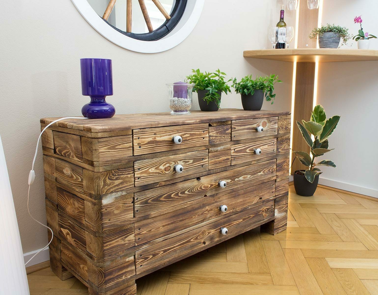 vintage paletten kommode geflammt palettenm bel shop. Black Bedroom Furniture Sets. Home Design Ideas