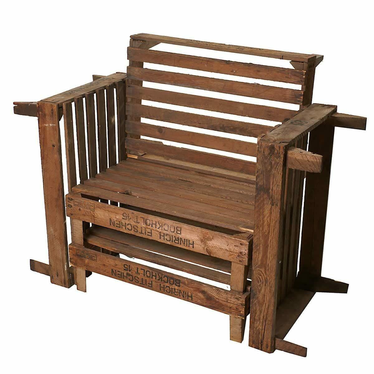 Stuhl aus alten Holzkisten-2