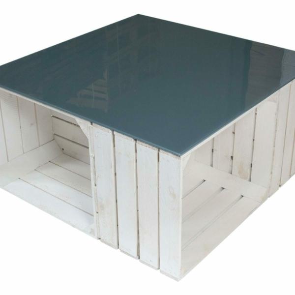 weißer Weinkisten Tisch