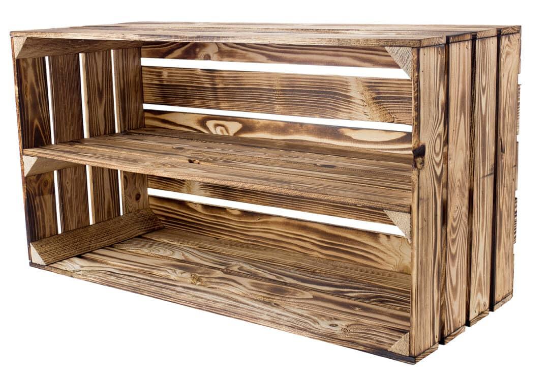 Geflammte Holzkiste mit Mittelbrett