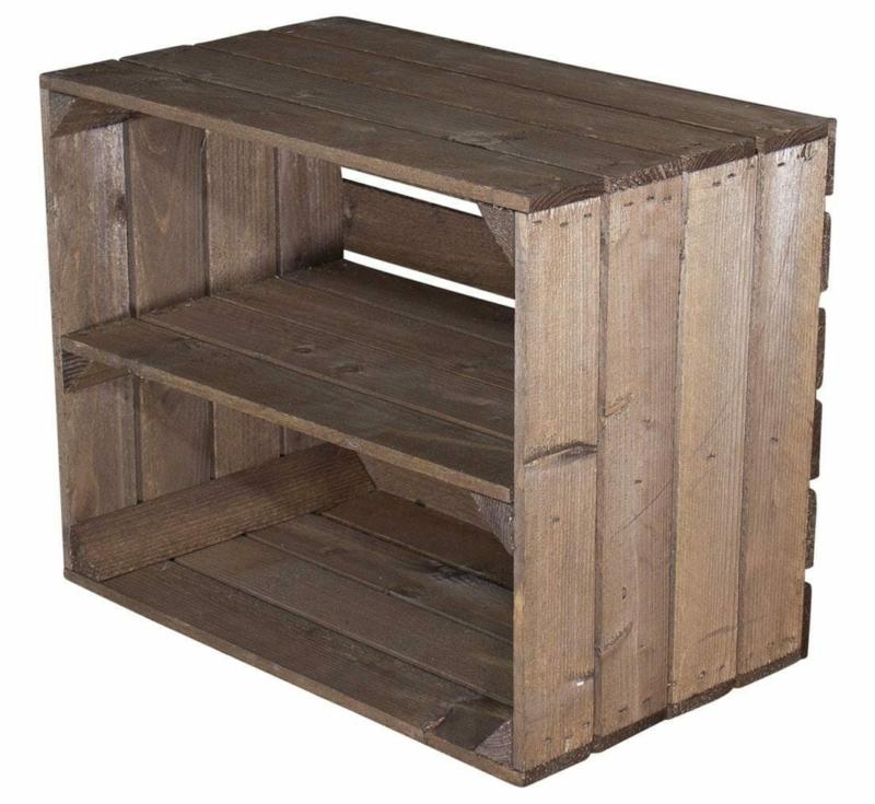 Regal aus Holzkisten-gebeizt