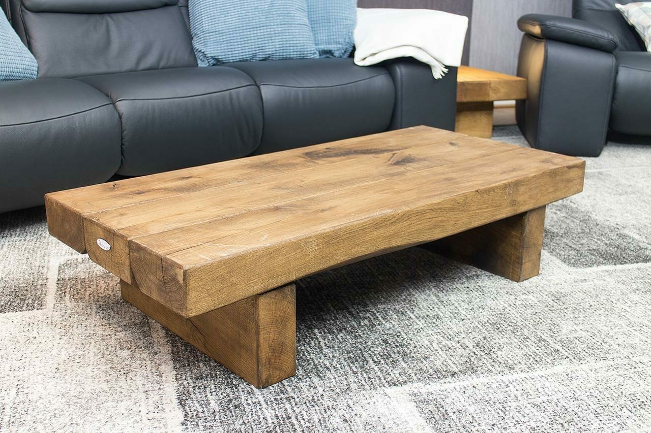 niedriger couchtisch aus massivem eichenholz vintage m bel shop. Black Bedroom Furniture Sets. Home Design Ideas