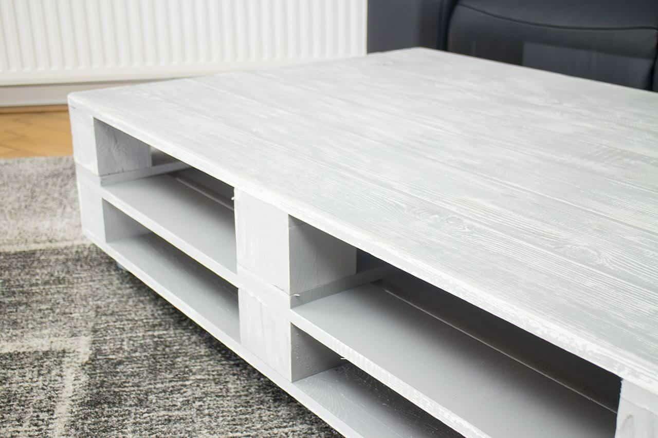 palettentisch tisch aus paletten auf rollen 120x80 palettenm bel. Black Bedroom Furniture Sets. Home Design Ideas