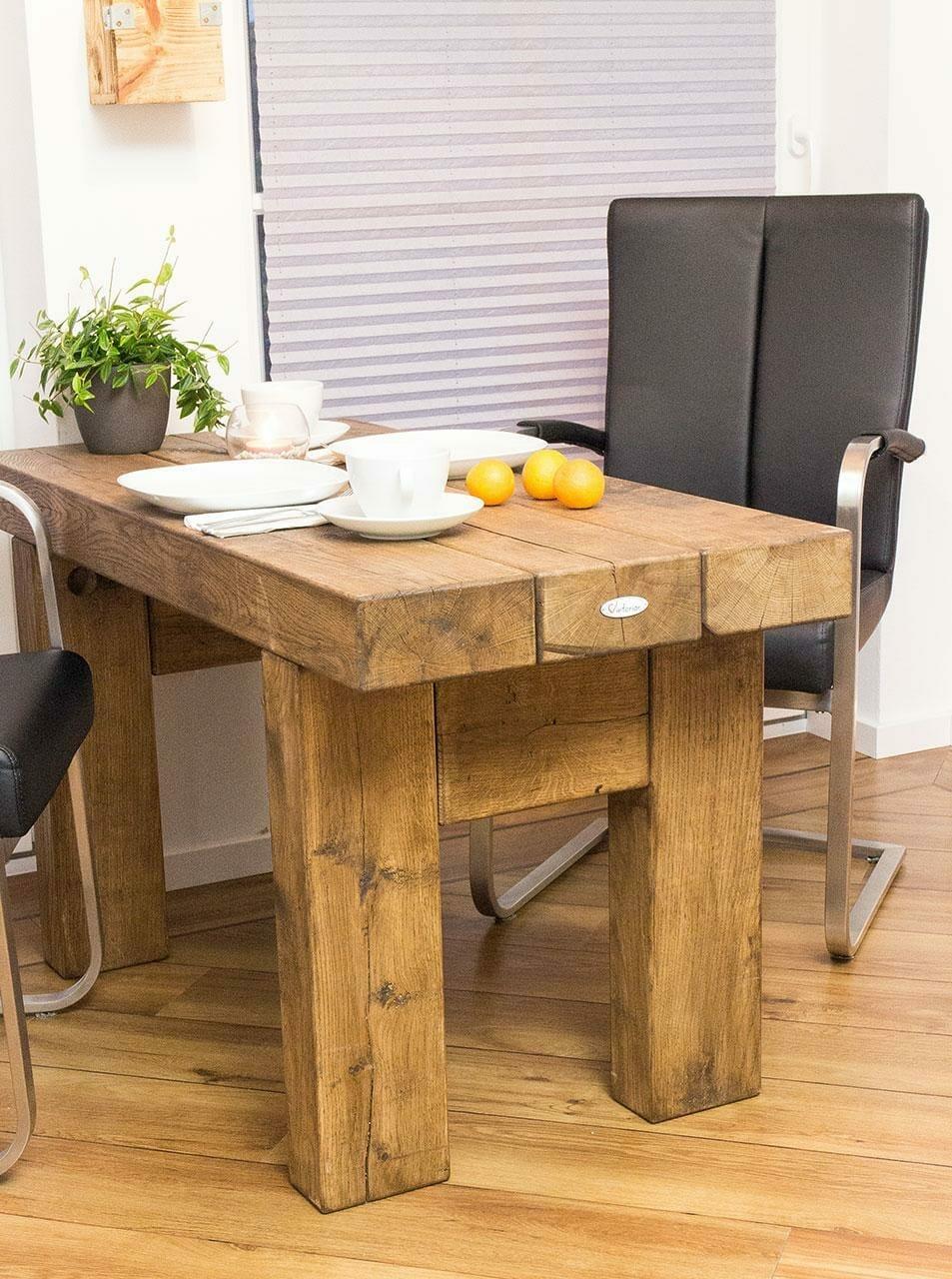 massiver tisch aus eichenholz esstisch vintage m bel shop. Black Bedroom Furniture Sets. Home Design Ideas
