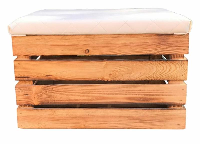 Holzkiste mit Deckel und Sitzpolster
