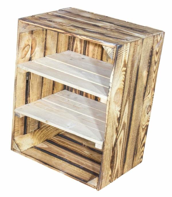 OBstkisten Regal aus geflammten Holzkisten