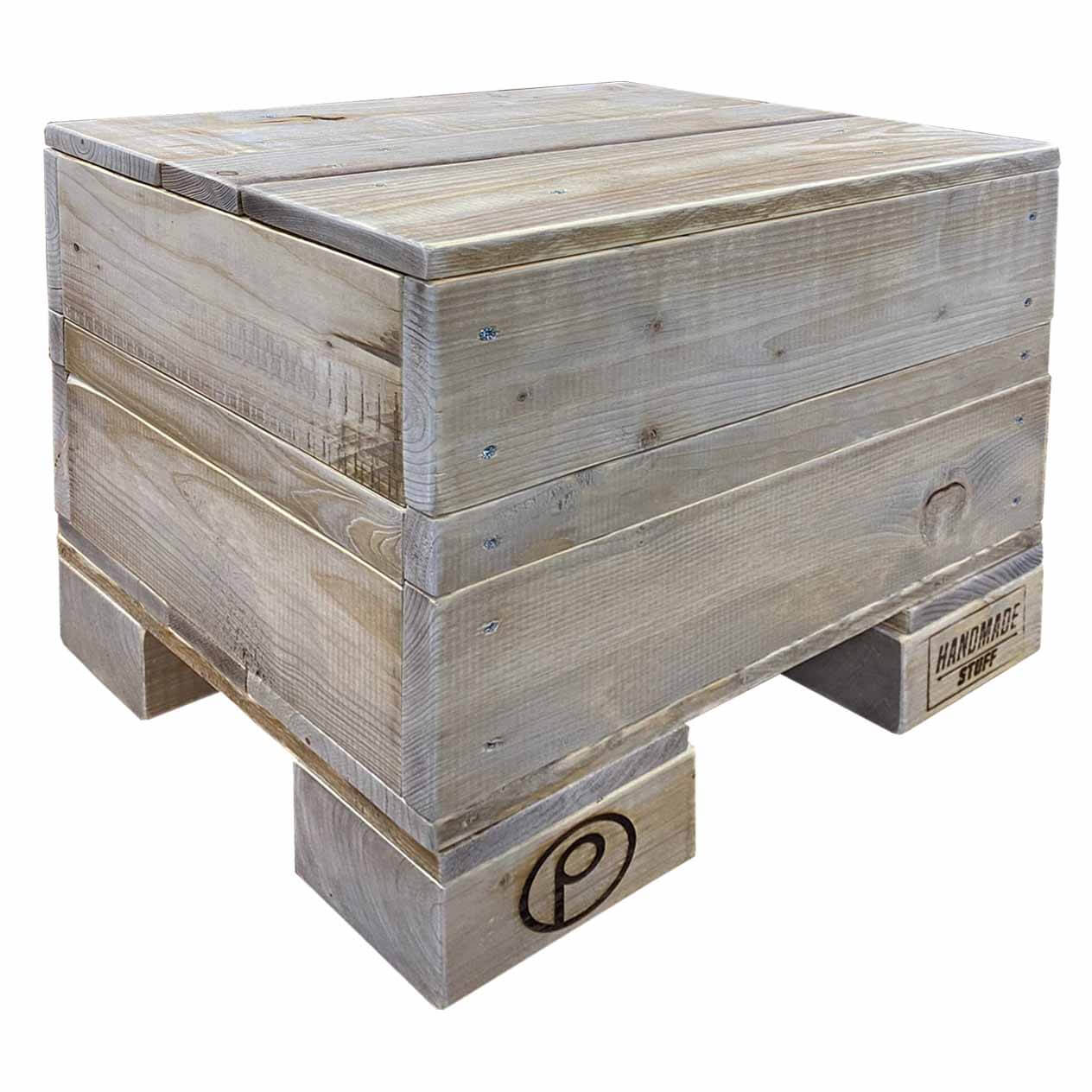 Hocker-Cube aus Paletten-Palettenmöbel