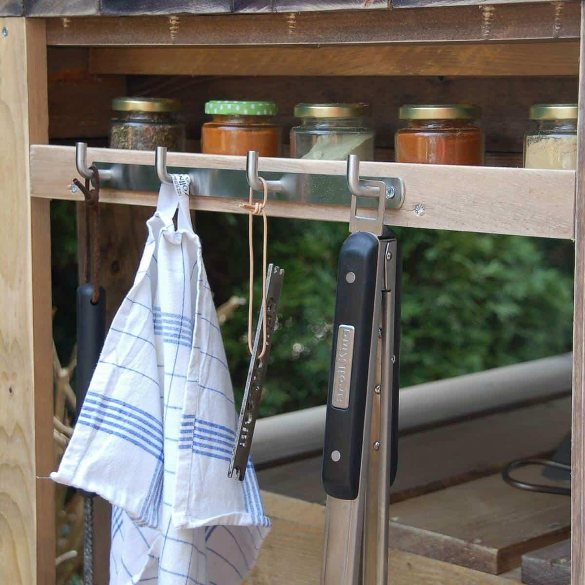 grilltisch aus paletten grill tisch europaletten palettenm bel shop. Black Bedroom Furniture Sets. Home Design Ideas