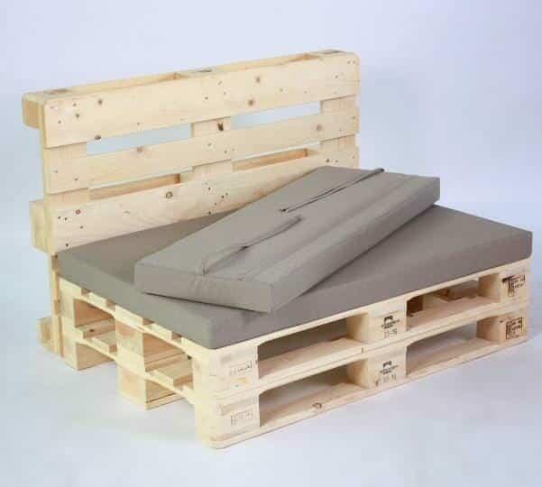 Palettenlounge-Lounge aus Paletten mit Palettenpolster