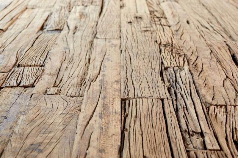 esstisch massiv altholz mit eisengestellt