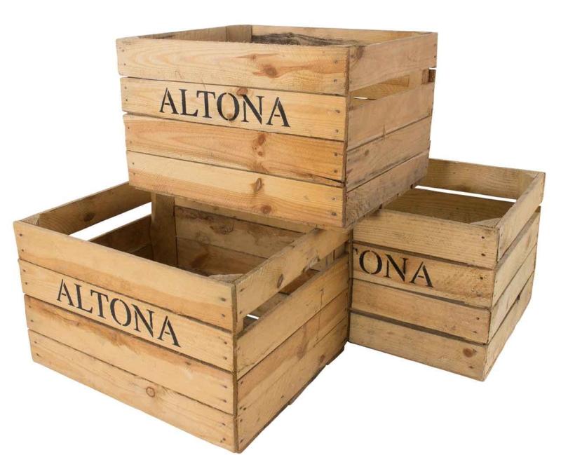 Holzkiste mit Aufdruck Altona