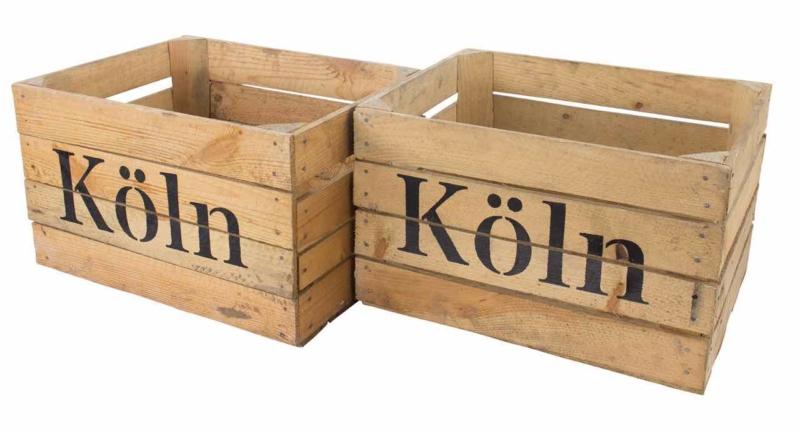 Holzkiste mit Aufdruck Köln