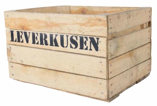 Holzkiste mit Aufdruck Leverkusen