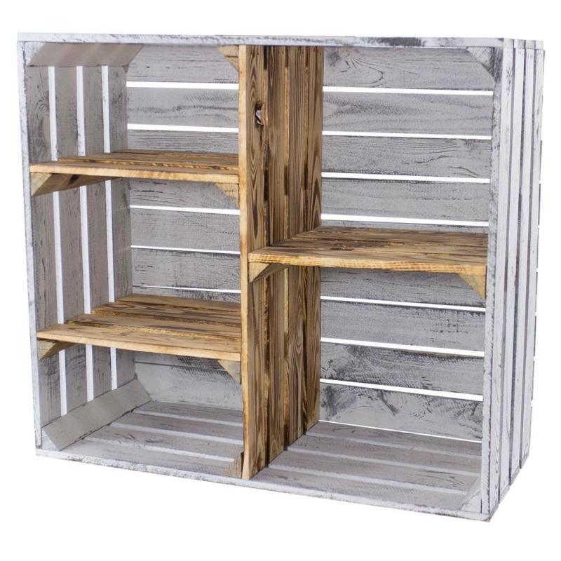 Holzschrank aus Holzkisten