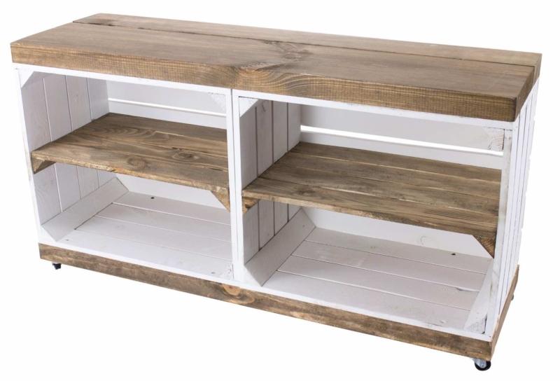 TV-Bank aus Holzkisten