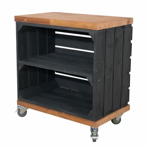 Holzkiste in schwarz mit Mittelbrett und Bohlenbretter im used Look