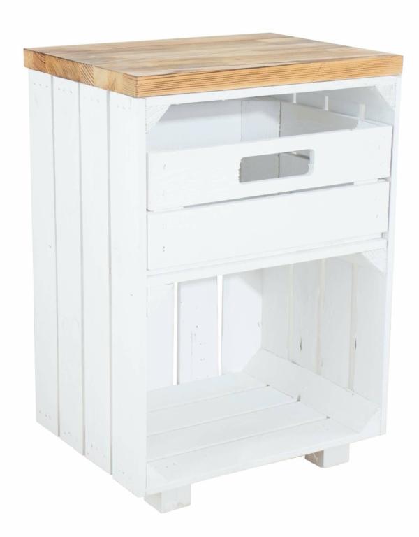 Holzkisten Nachttisch in weiß mit Bohlenbrett geflammt