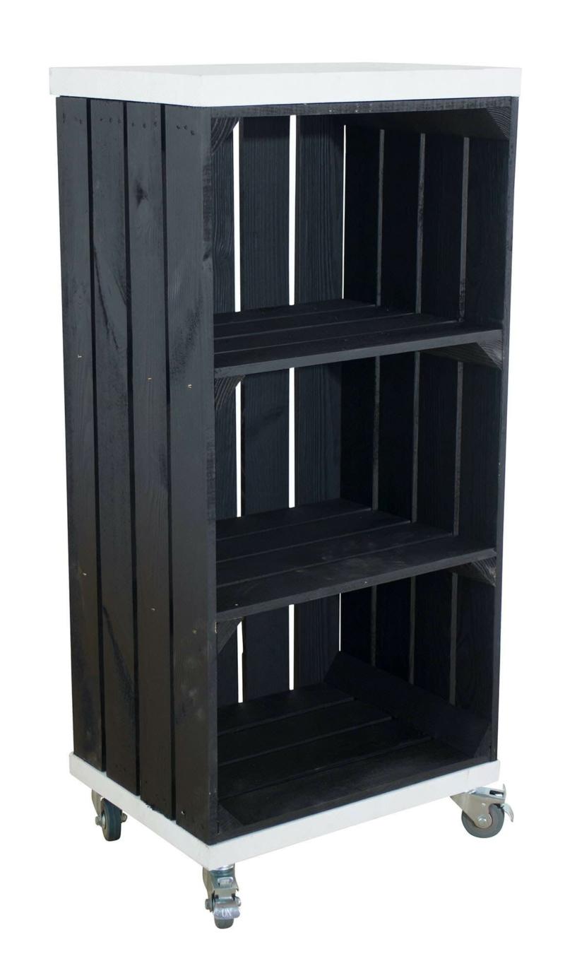 Holzkisten Regal in schwarz mit Bohlenbretter in weiß