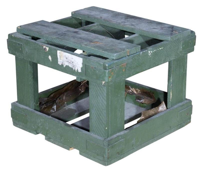 Munitionskiste in grün aus Holz
