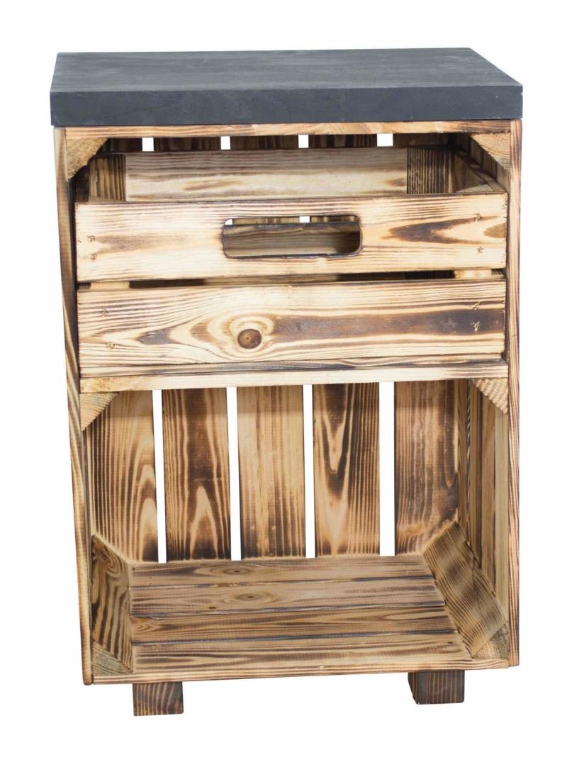 Nachttisch aus Holzkiste geflammt